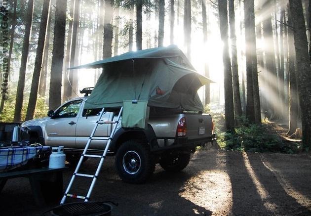 Кемпинговая палатка-домик Tepui на крыше автомобиля