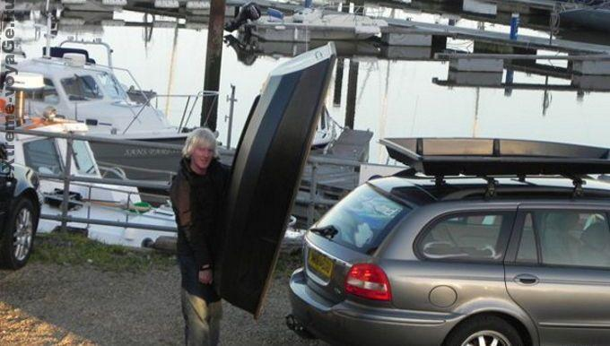 Лодку Boatpack может снять один человек