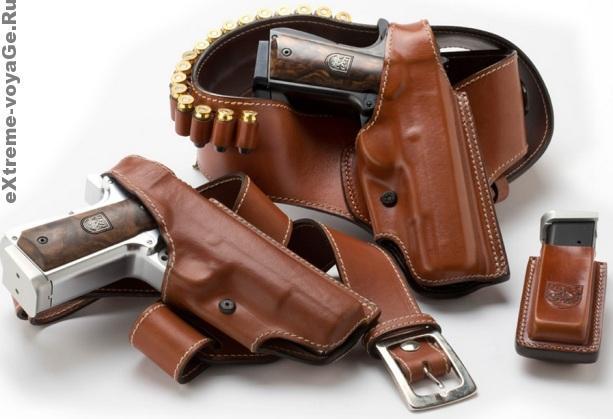 Оружие против монстров AF2011-A1 в кобуре