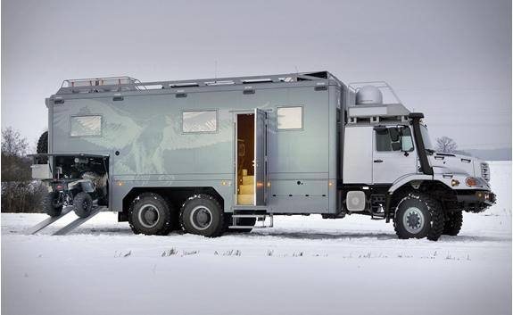 Внедорожник автодом с гаражом Mercedes Benz Zetros 6х6