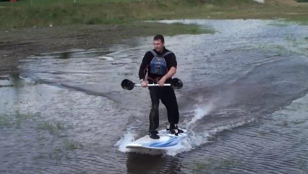Двигатель реактивный ручной Dreamscience Thrusters на водоеме