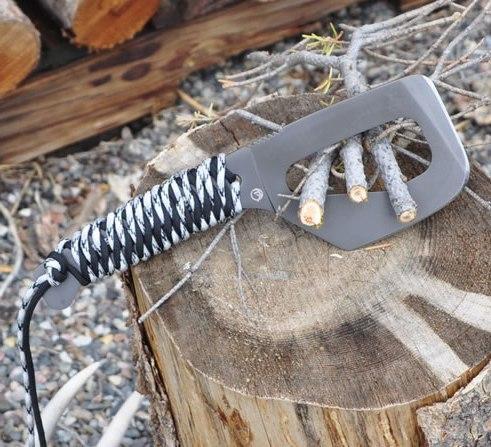 Топор с паракордом для охоты, походов и выживания Farson