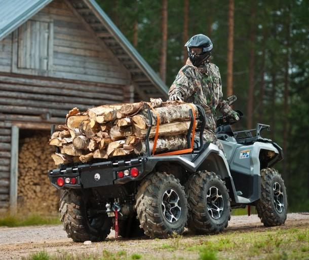 Мотовездеход Outlander ATV имеет грузовую платформу