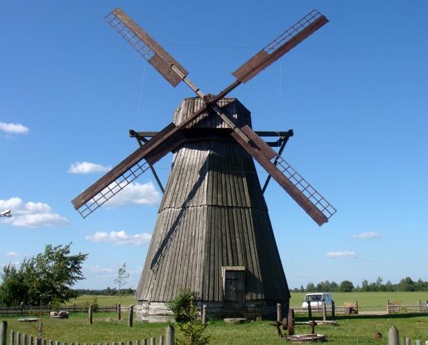 Древняя ветряная мельница в Беларуси