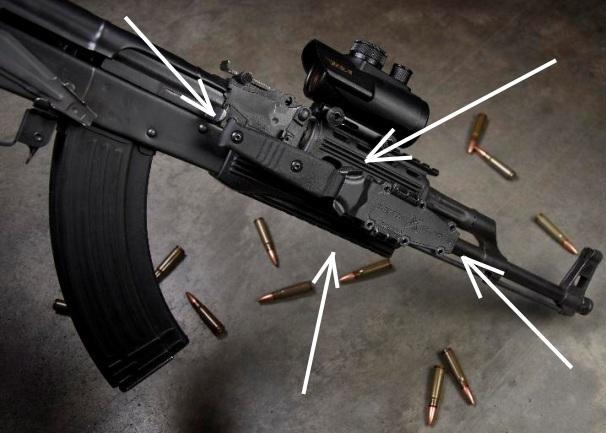 Десантный нож на штурмовой винтовке