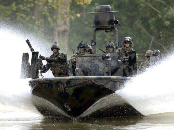 Тактические очки Oakley Si Fuel Cell With Cerakote при действиях спецназа