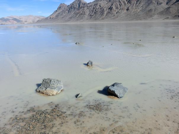 Камни оставляют след