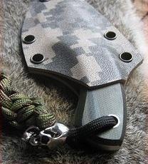 Флагманский охотничий нож Necker для нашейного ношения