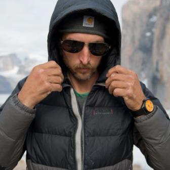Горная куртка-пуховик с капюшоном MST 006