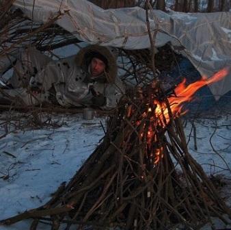 Ночевка зимой у костра в сильный мороз