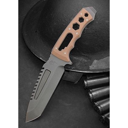 Боевой нож-танто и мультитул для выживания SAWNTO