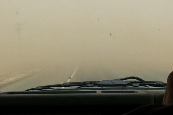 Песчано-пылевая буря: вид из автомобиля