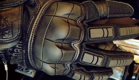 Breacher military tactical gloves mechanix wear