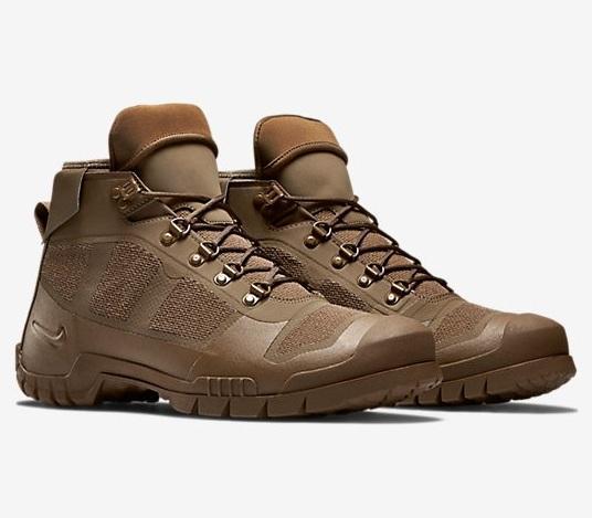 Трекиноговые ботинки SFB Mountain от компании Nike