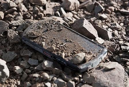 Как использовать разбитый смартфон для выживания
