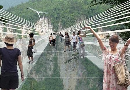 Стеклянный мост в Китае для банджи-джампинга