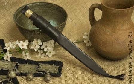 Botlih-kizlyar-knife