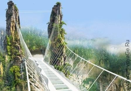 самый длинный в мире стеклянный мост в китайской провинции Хунань