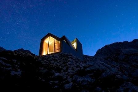 Альпийский штормовой приют для экстремалов Skuta