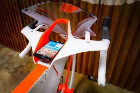 Использование смартфона в велобайке fUCI