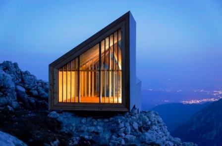 Горный приют Alpine Shelter Skuta стоит на обрыве