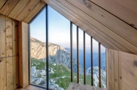 Вид изнутри Alpine Shelter Skuta