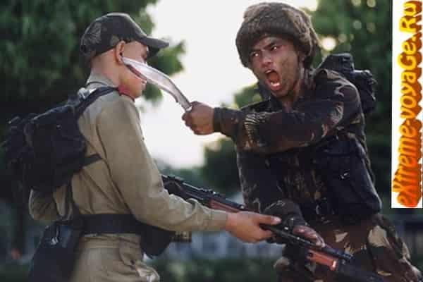 Нападение с ножом кукри непальских гуркхов
