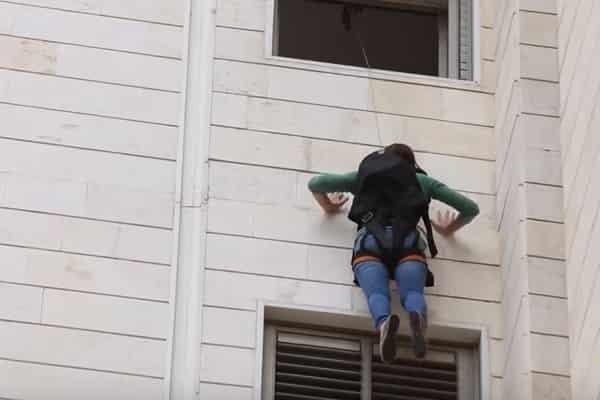 Пожары в высотных зданиях: выживание со SkySaver