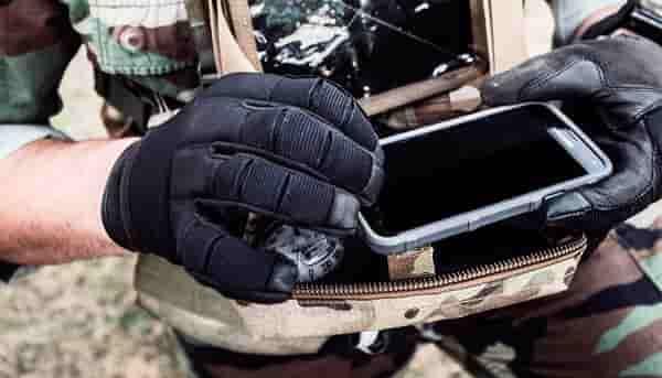 Модель объединяет в себе достоинства рабочих, огнеупорных и тактических перчаток