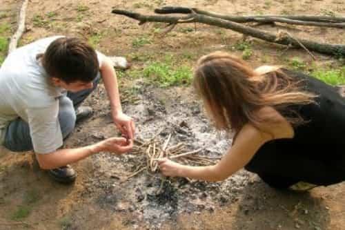 Что взять в поход для розжига костра