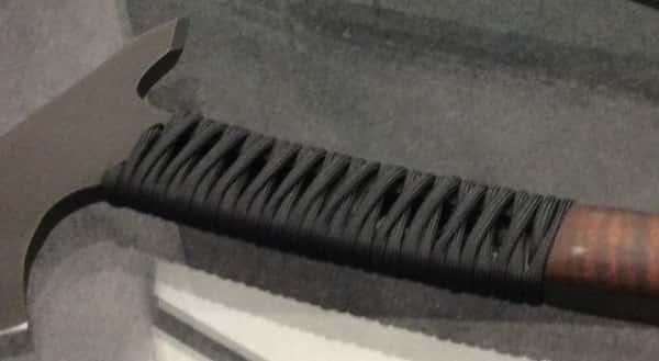 Паракорд на скелетонизированной ручке топора Winkler Legacy Axe