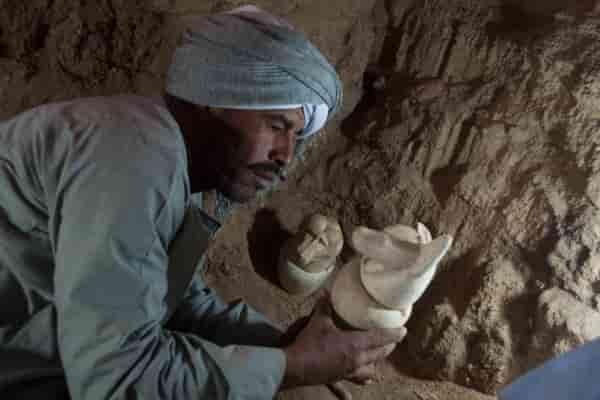 Охотники за сокровищами опоздали: найдена гробница в Асуане