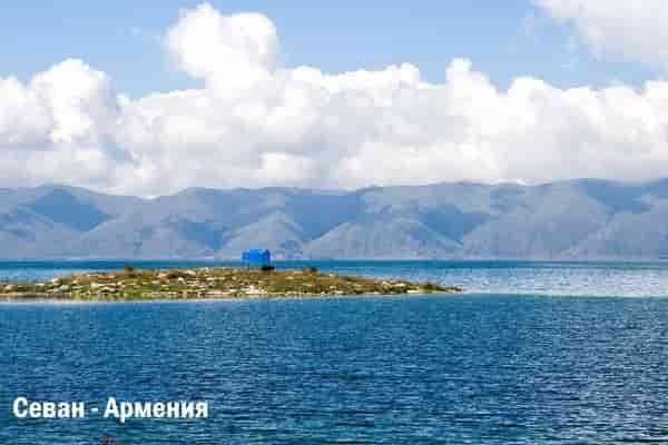 Отдых на озерах: ТОП-3 интересных озер Европы