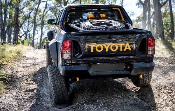 Пустынный внедорожник Toyota Hilux Tonka для Австралии