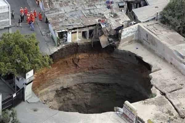 Провал грунта в городе: как предупредить и выжить