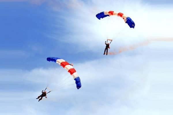 Экстрим для новичков: как прыгнуть с парашютом