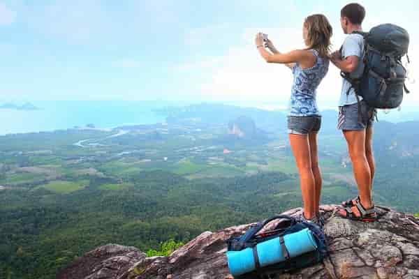 Как правильно выбирать одежду и обувь для туризма