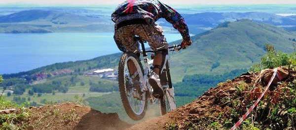 Экстремальные виды спорта с горным велосипедом
